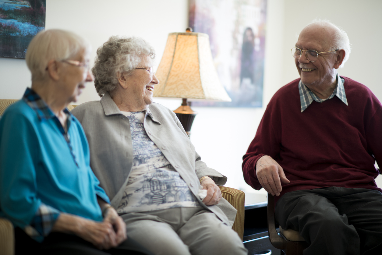 seniors-in-care-home
